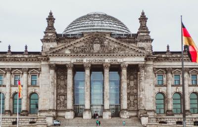 Berlin, 2 noce, 2 dorosłych i 1 dziecko